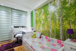 paint mural in child's bedroom